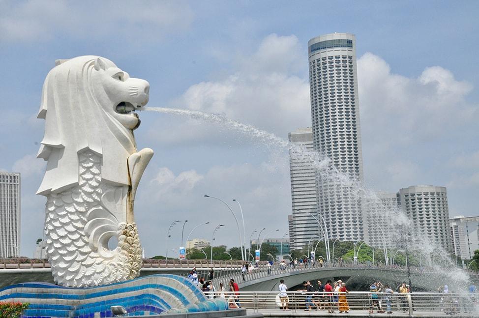 Singapore's iconic Merlion fountain